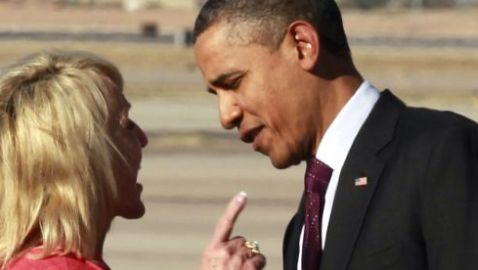 Obama and Arizona Governor Caught in Heated Conversation on Tarmac