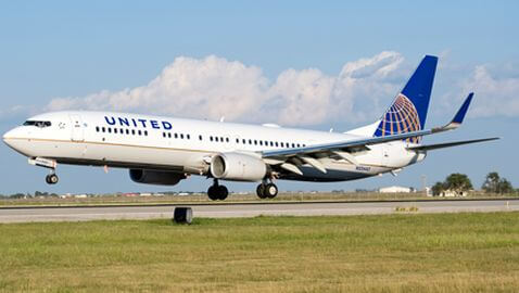 Air Passengers Angered by Problems Stemming from United Merger