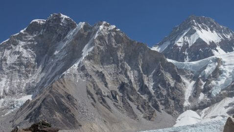 Three Climbers Dead, Two Missing, on Mount Everest
