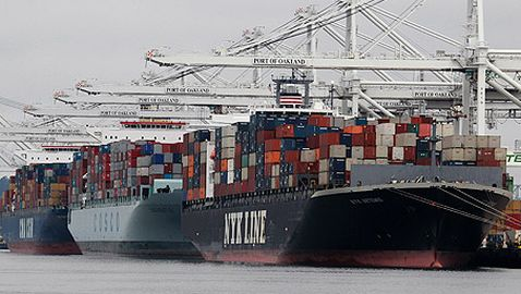 Trade Gap for United States Shrinks