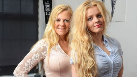 Mom Tries to Convince 14-Year-Old Daughter to Get Breast Implants