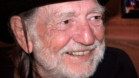 Willie Nelson Suffers Breathing Problems; Cancels Denver Show