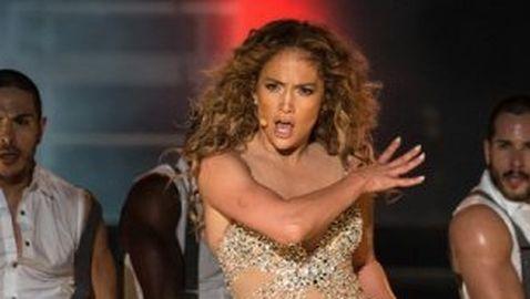 Jennifer Lopez Sues Employee for Extortion