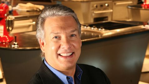 Marc Summers Suffers Broken Facial Bones in Car Accident