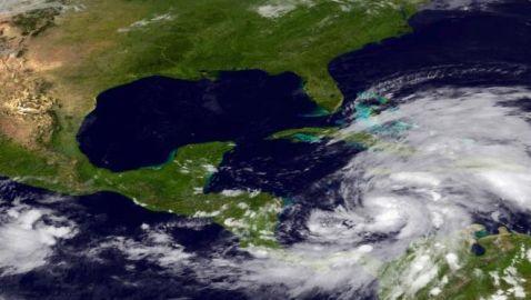 Mid-Atlantic States in Danger of Major Hybrid Storm Led by Hurricane Sandy