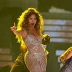 Jennifer Lopez Suffers Wardrobe Malfunction