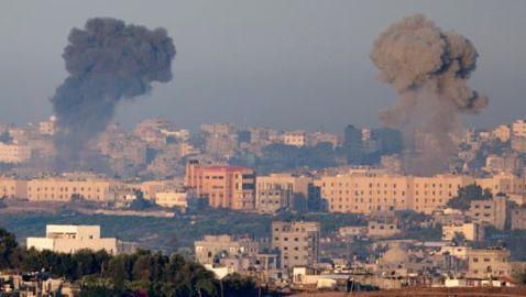 Israeli Air Strikes Kill Hamas Commander