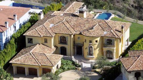 Kim Kardashian and Kanye West Buying Mansion in Bel Air