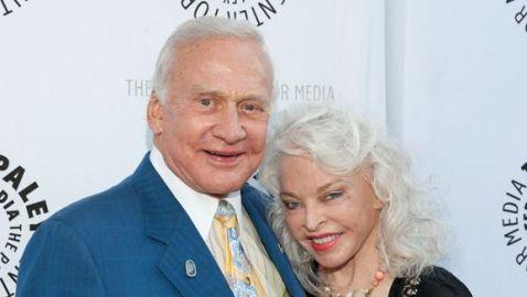 Buzz Aldrin Finalizes Divorce