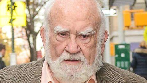 Ed Asner Taken to Hospital in Middle of Show