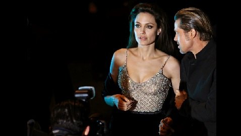 Angelina Jolie Loses Aunt to Breast Cancer