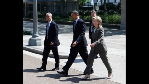 Hillary-Clinton-pantsuit-Obama-Rahm-Emanuel