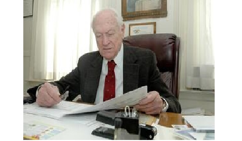 Lawyer Continues to Work Full-Time at 96