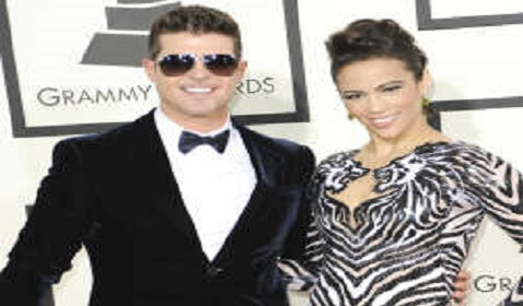 "Robin Thicke Says ""I Haven't Given Up On Paula"""