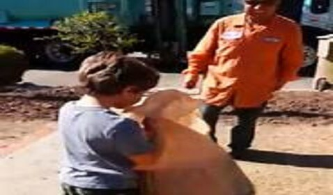 Garbage Man's Kind Act for Autistic Boy