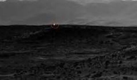 Curiosity Rover Catches White Light Image on Mars