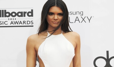 Kendall Jenner Flubs at Billboard Music Awards