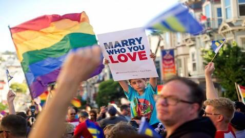 The Alabama Supreme Court has halted the issuance of marriage licenses to same sex couples.