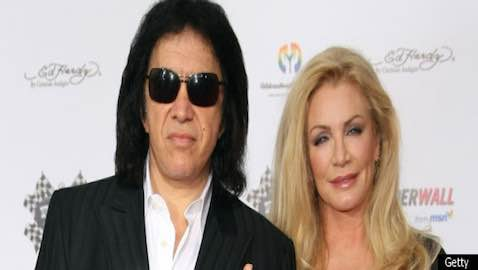 Although investigators were at Gene Simmons' residence this week in relation to an alleged crime involving children, Simmons and his family are not suspects in the investigation.