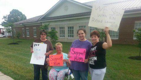 Kim Davis supporters