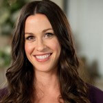 Alanis Morissette Sues Ex-Business Manager for Embezzlement