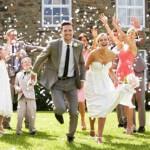 5 Wedding Guest Etiquette FAQs